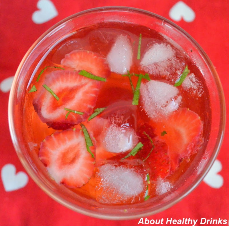Easy Ice Mint Strawberry Juice Recipe